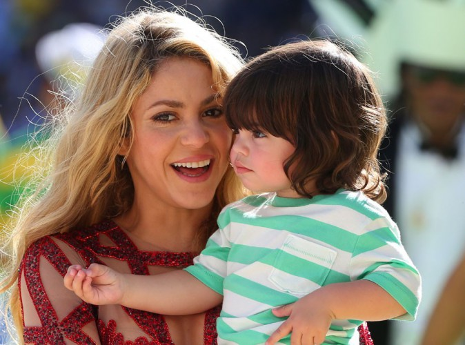 Shakira apprend déjà la lecture à Milan... La vidéo trop craquante à voir absolument !