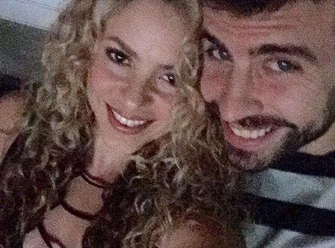 Shakira d�collet�e pour son homme, elle sait entretenir la flamme !
