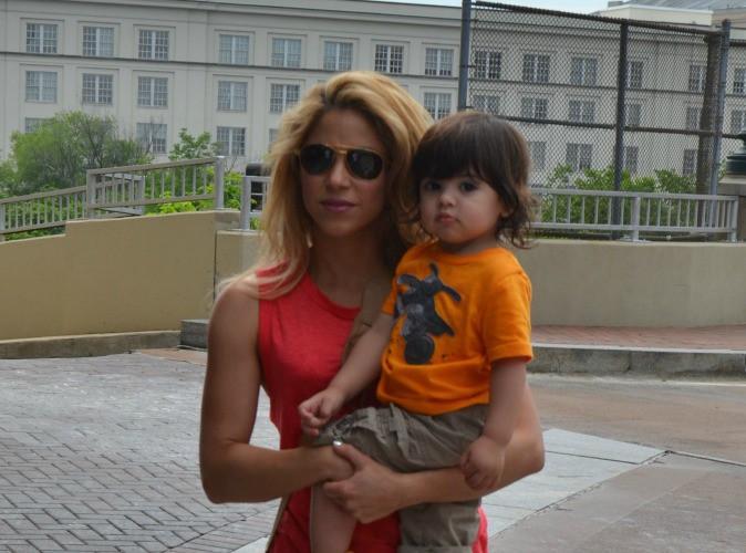 Shakira : la chanteuse serait enceinte de son deuxi�me enfant !