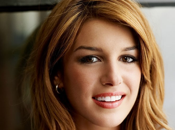 shenae grimes la star de 90210 vient de se marier. Black Bedroom Furniture Sets. Home Design Ideas