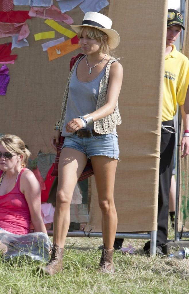 Look décontracté pour la belle Sienna Miller !
