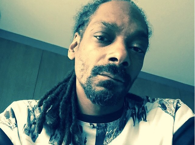 Snoop Dogg : Arrêté en Italie, il avait caché plus de 400 000$ dans ses oreillers !