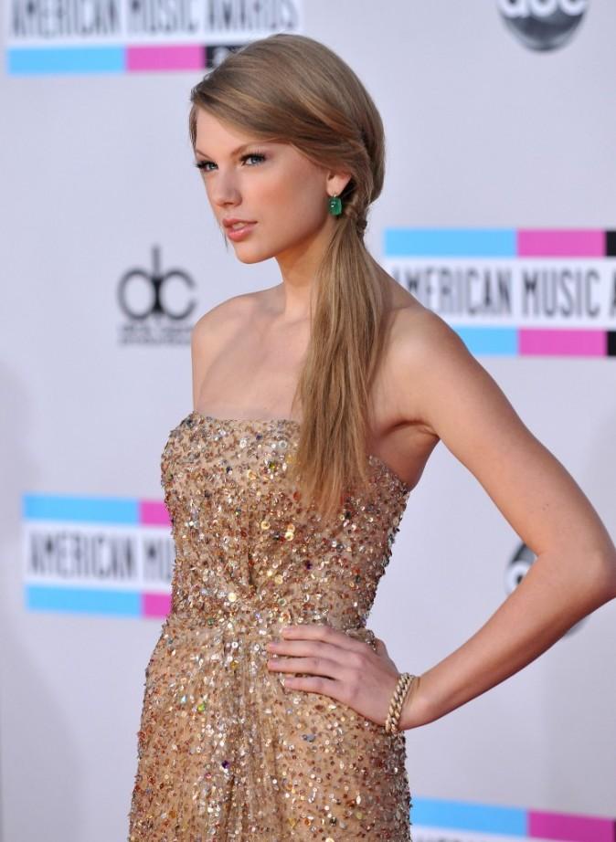 Taylor gagne tous les Awards mais reste simple...