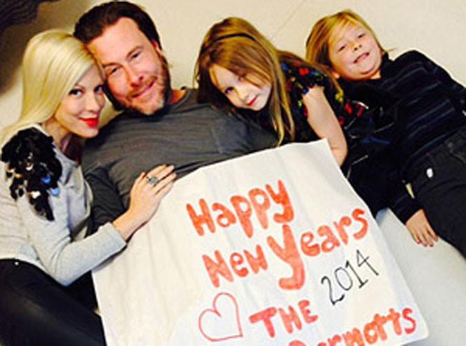 Tori Spelling : exit les rumeurs d'infidélité... Elle attaque la nouvelle année en famille !