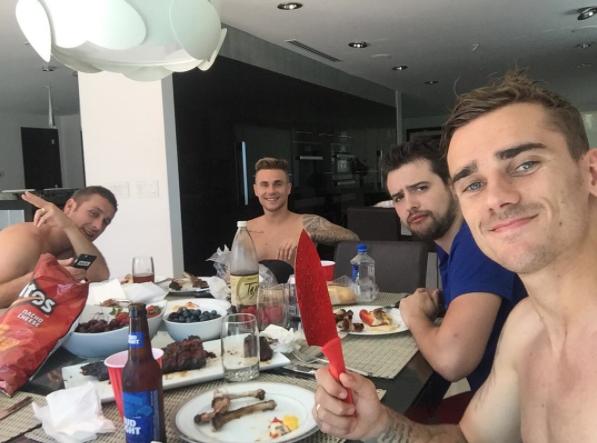 Vacances : on a retrouvé Antoine Griezmann !