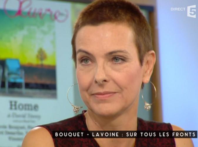 Vidéo : Carole Bouquet : mais où sont passés ses cheveux ? Elle s'explique !