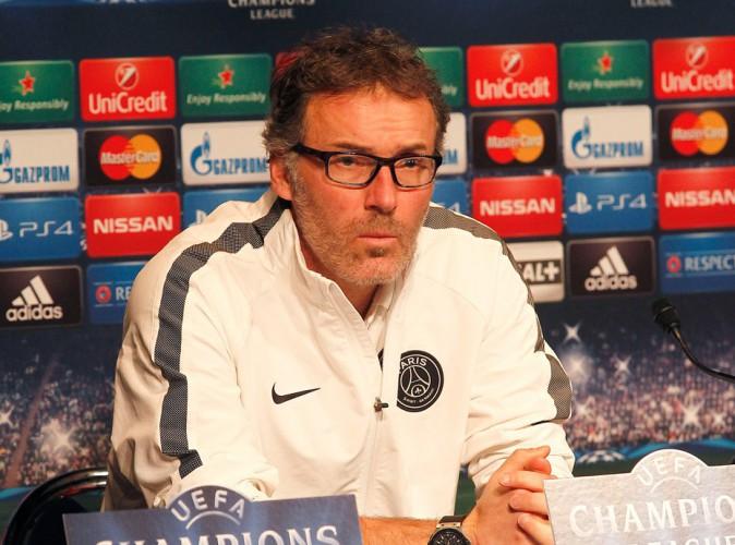 Vidéo : Dropped : Laurent Blanc et le PSG en deuil, ils rendent également hommage aux victimes