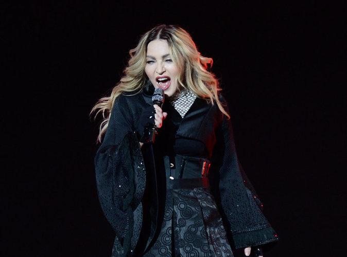 Vidéo : Madonna : encore un pépin sur scène !