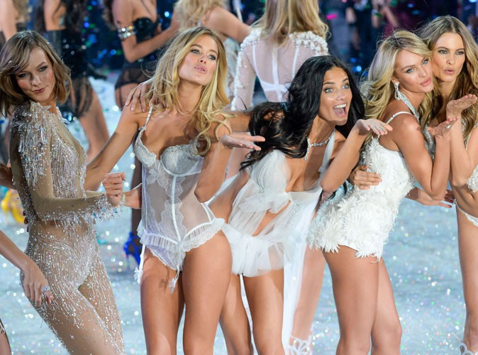 "Victoria's Secret : les Anges se déchaînent sur le tube de Taylor Swift ""I Knew You Were Trouble"" !"