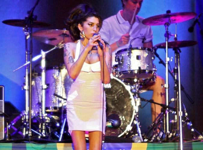 Vidéo : Amy Winehouse huée comme jamais dès la première date de sa tournée européenne !