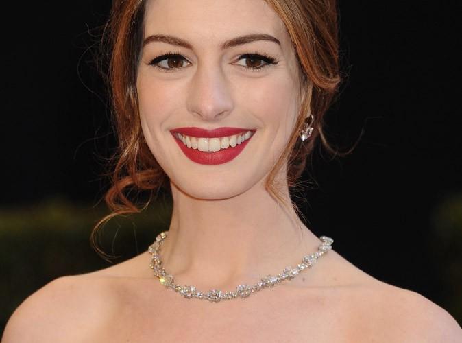 Vidéo : Anne Hathaway plus romantique que jamais !