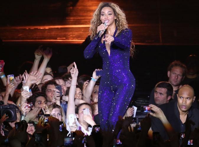 Vidéo : Beyoncé : un fan audacieux lui met la fessée en plein concert à Copenhague !