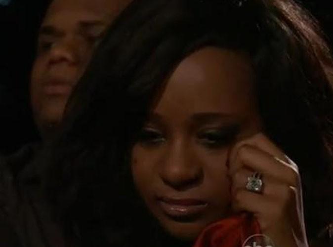 Vidéo : Billboard Music Awards 2012 : Bobbi Kristina émue par l'hommage rendu à sa maman, Whitney Houston ...