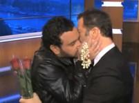 Vidéo : Cyril Hanouna et Arthur : le bisou qui prouve qu'ils s'aiment !