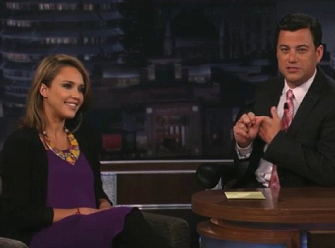 Jessica Alba sur le plateau du Jimmy Kimmel Show, le 10 août 2011.