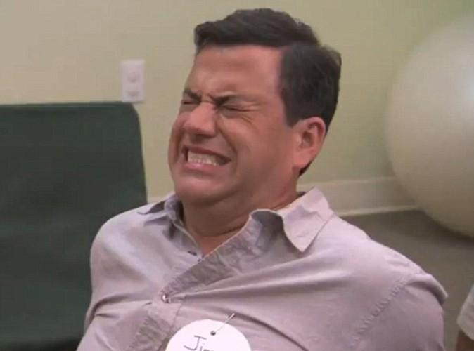 Jimmy Kimmel simule parfaitement l'accouchement !
