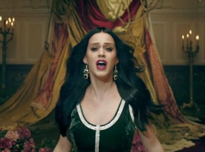 """Vidéo : Katy Perry : princesse des neiges ou beautés baroques dans le clip sophistiqué de 'Unconditionally"""" !"""