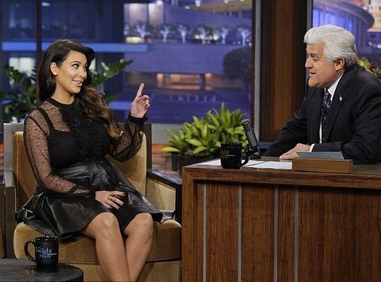 Vidéo : Kim Kardashian : la future maman balaie les rumeurs et révèle à la télé qu'elle craque sur le prénom Easton !