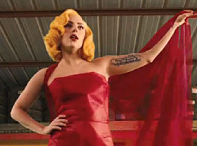 """Vidéo : Lady Gaga : elle dévoile la """"lyrics video"""" de son titre """"Aura"""", ainsi que le tracklisting de l'album ARTPOP !"""