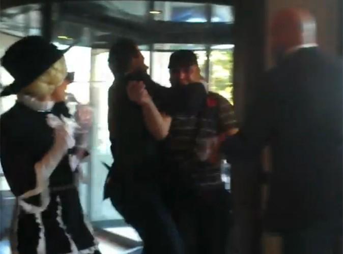 Vidéo : Lady Gaga : ses gardes du corps sont assez violents avec les fans…