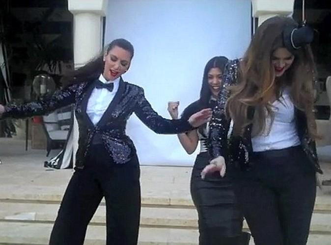 """Vidéo : Les soeurs Kardashian-Jenner se la jouent Lady Marmelade et nous font le remake de """"Voulez-vous coucher avec moi""""..."""