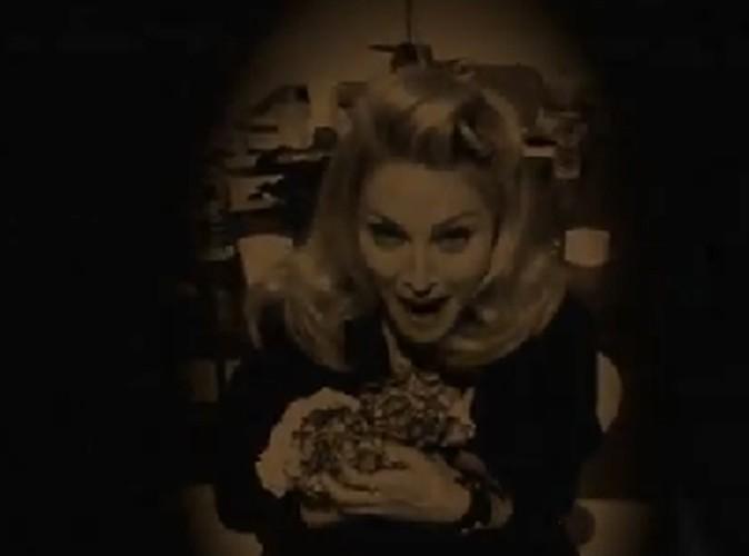 Vidéo : Madonna : sa réponse au scandale des fleurs est géniale !