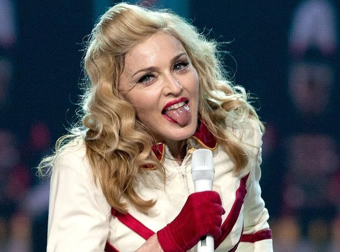 Vidéo : Madonna : une jolie chute en plein concert !