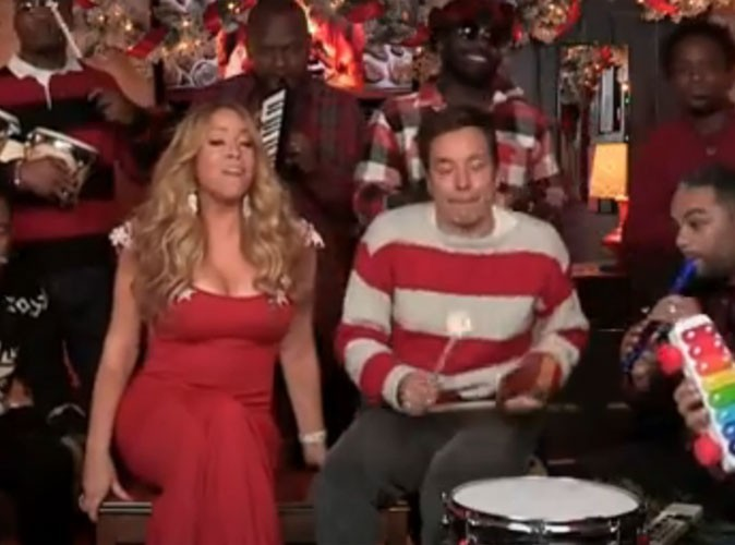 "Vidéo : Mariah Carey : son tube ""All I Want For Christmas Is You"" a capella et en featuring avec Jimmy Fallon et The Roots !"