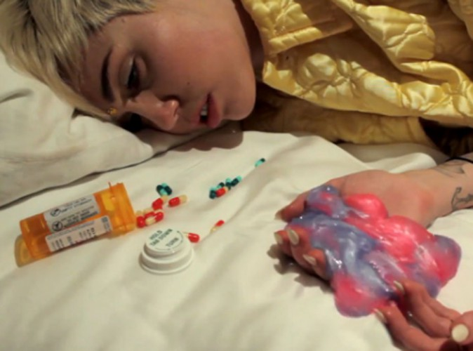 Vidéo : Miley Cyrus en pleine overdose... Son nouveau dérapage trash !