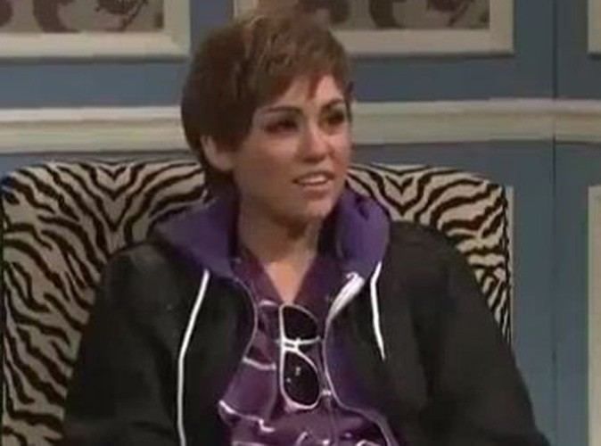 Video : Miley Cyrus se déguise en Justin Bieber ! Regardez !