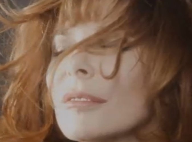Vidéo : Mylène Farmer : découvrez son nouveau clip dérangeant et désenchanté, A l'Ombre !