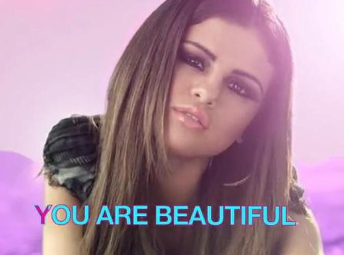 Vidéo : Selena Gomez en mode karaoké pour le clip d'I Love You Like a Love Song !