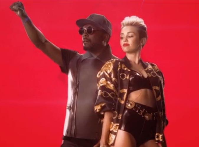 """Vidéo : Will.i.am : il dévoile le clip de """"Feeling Myself"""" avec une Miley Cyrus toujours plus sexy !"""