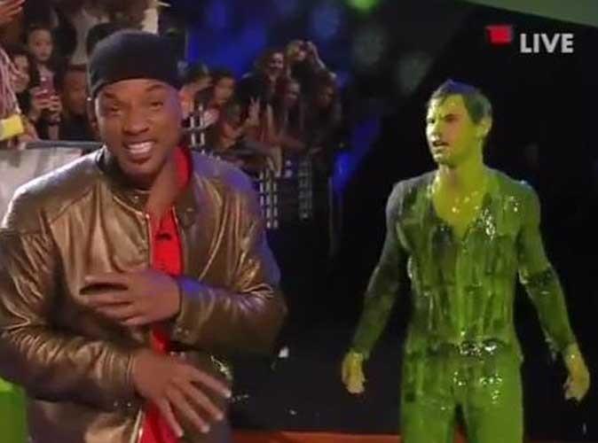 Vidéos : Kids' Choice Awards 2012 : Taylor Lautner, Justin Bieber... Toutes les victimes de cette année !