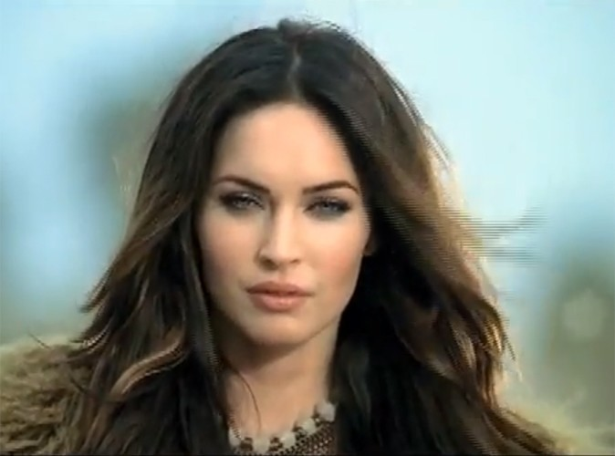 Vidéos : Megan Fox : clonée pour promouvoir la langue anglaise !