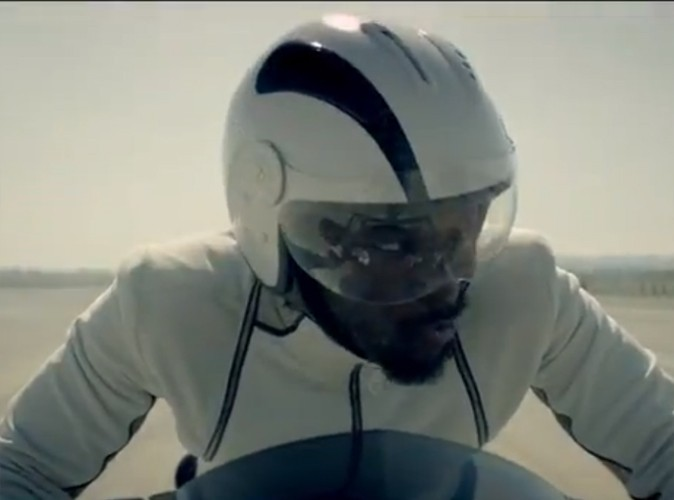 Moto chez Will.I.Am