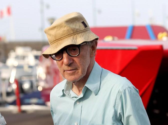 """Woody Allen : les accusations d'agression sexuelle formulées par sa fille Dylan Farrow seraient """"fausses et honteuses"""" !"""