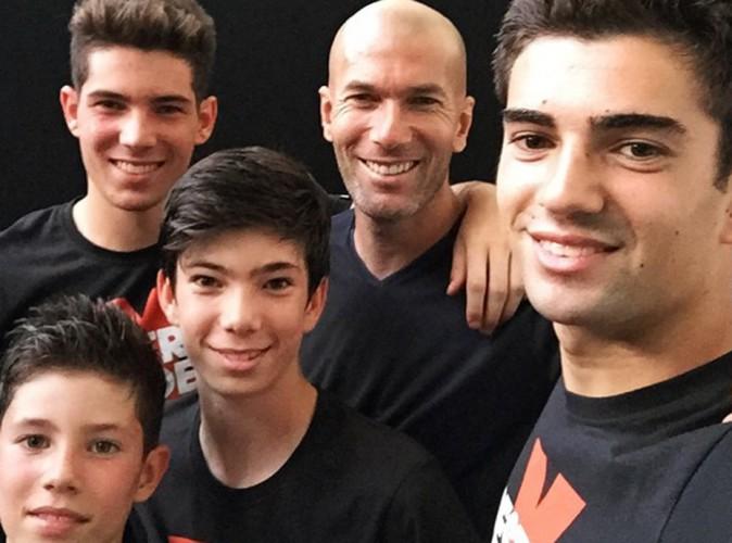 Zidane : papa comblé entouré de ses quatre fils !