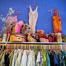 Caroline Receveur, adepte des boutiques aux vêtements colorés de Los Angeles !