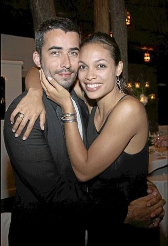 Rosario Dawson en couple avec le Français Mathieu Schreyer