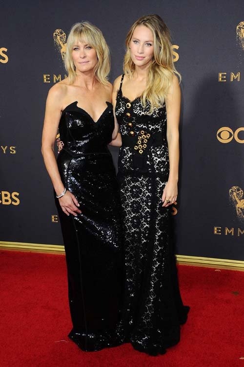 Emmy Awards 2017 : Robin Wright : Sa fille Dylan Penn est une vraie bombe (et son sosie) !