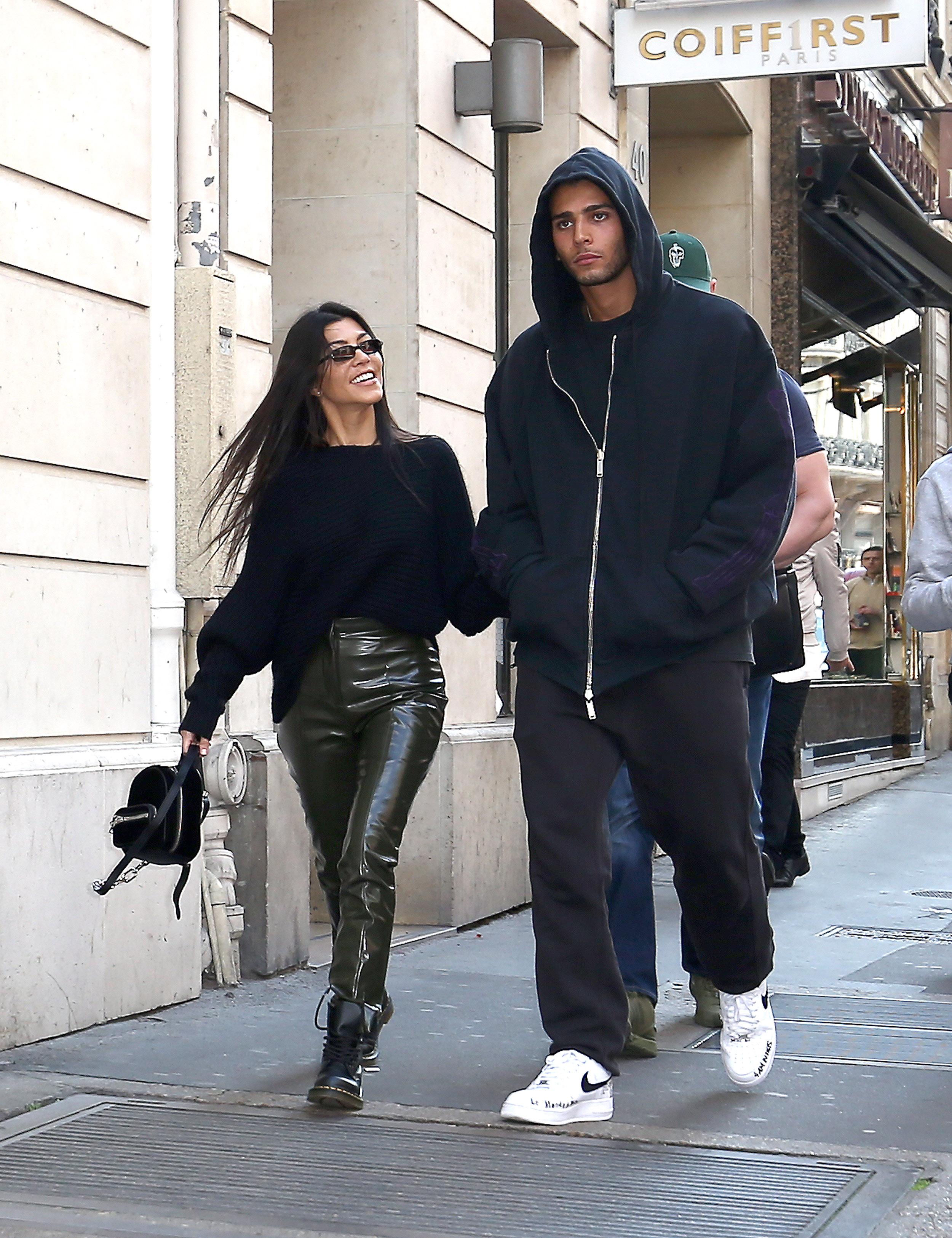 N'en déplaise à Kim Kardashian, Kourtney a rejoint Younes Bendjima à Paris !