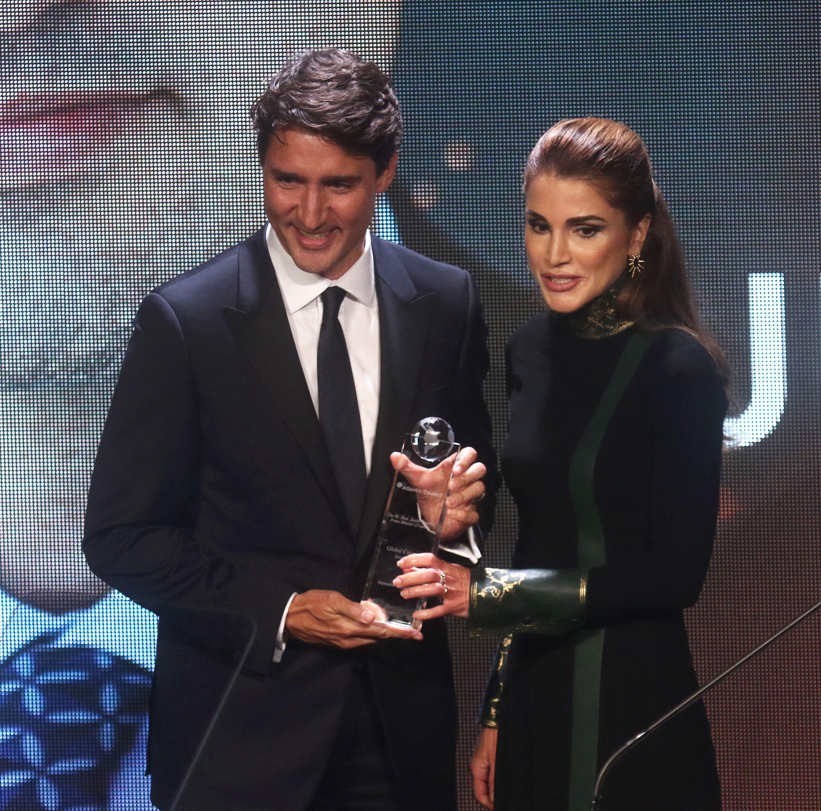 Public Royalty : la reine Rania de Jordanie couronne Justin Trudeau !